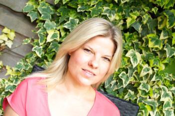 author-photo-ella-harper