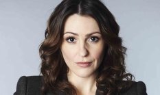 Suranne-Jones-as-DC-Rache-008
