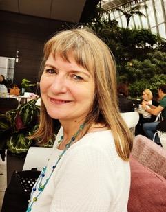 2017 Gail Aldwin