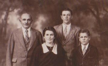 Family_1933